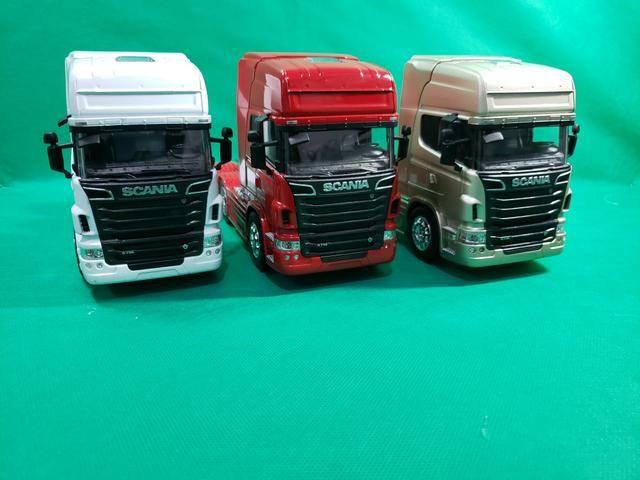 Miniatura Caminhão Scania