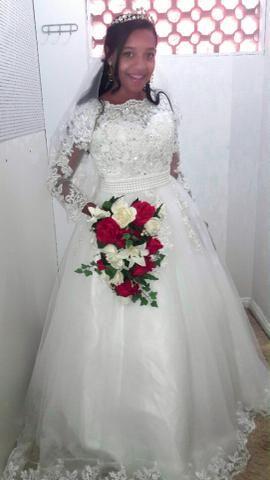 Vestido de noiva aluguel só 700 reais completo + cortesia