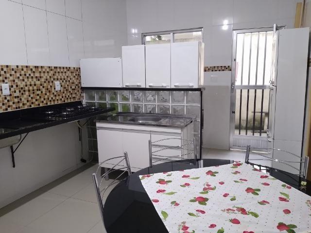Bela Casa Linear com Quintal - Condomínio Próx. a Est. Iaraquã (Brito)