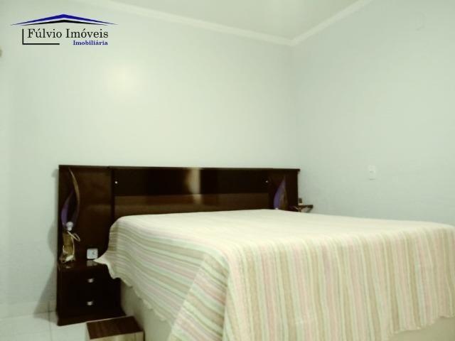 Maravilhosa em condomínio fechado, 1.200m² de terreno, área de lazer e salão de festas - Foto 5