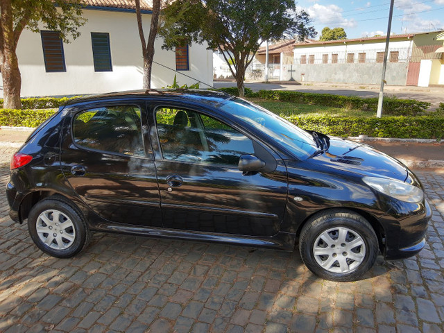 Peugeot  207 hacht XR 1.4 - Foto 3