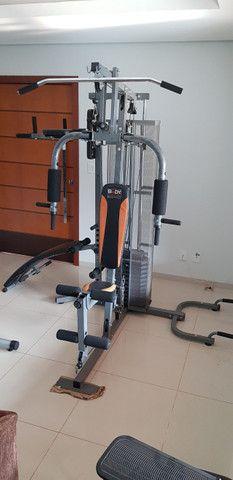 Estação de academia de musculação
