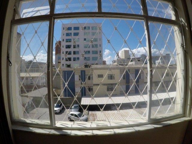 Apartamento grande, 3 quartos, localização estratégica e privilegiada, silencioso. - Foto 9
