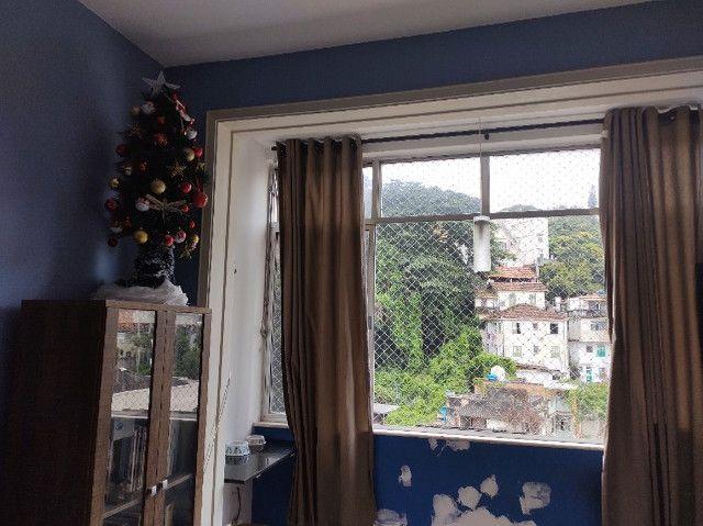 Apartamento Iluminado e Ventilado em Andar alto na Glória