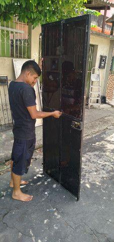 Portão de ferro  com fechadura é chave fazemos  entrega  - Foto 4