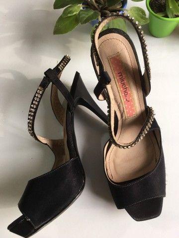 Sandalia preta strass - Foto 2