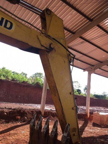 Escavadeira New Holland E215LC - Foto 4