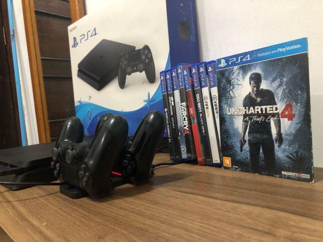 Vendo PS4 - Muito NOVO com 2 controles originais e 8 jogos (físicos)
