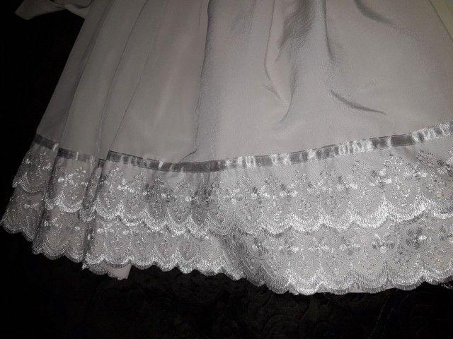 Vestido branco infantil semi novo  - Foto 3