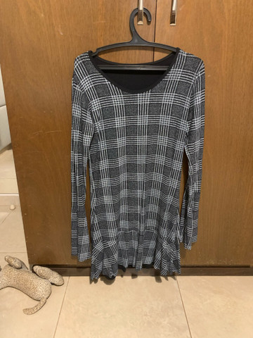 Vestido curto com manga longa  - Foto 2