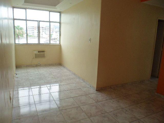 Ótimo apartamento 2 quartos - Olaria