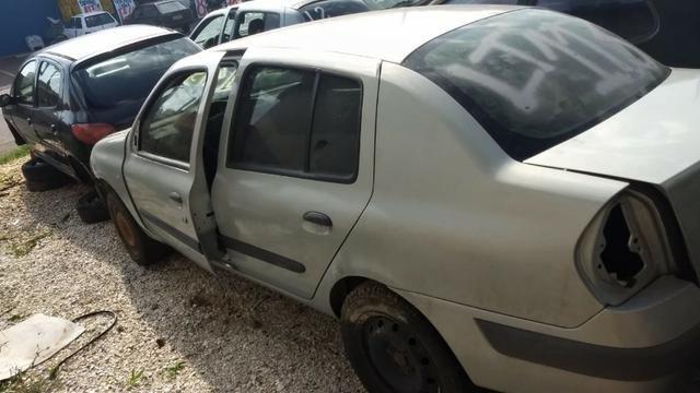 Renault Clio 1.0 16v sedan 2005 Sucata em peças - Foto 8