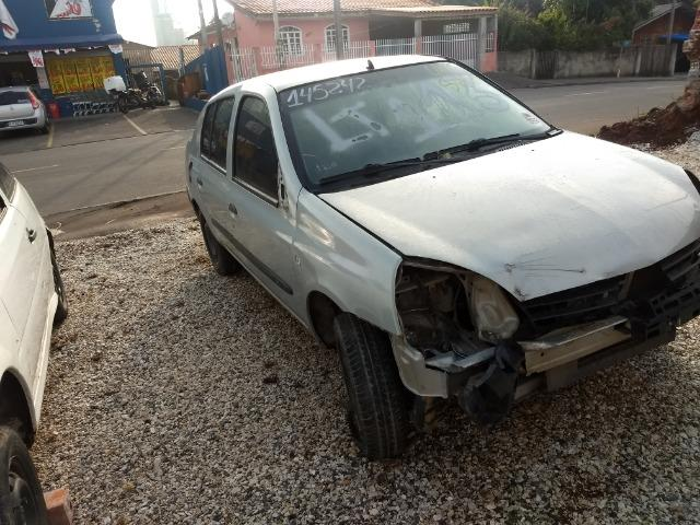 Renault Clio 1.0 16v sedan 2005 Sucata em peças - Foto 15