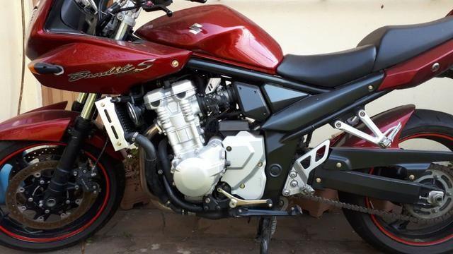 Moto suzuki bandit S 1250 cc gasolina (A melhor)