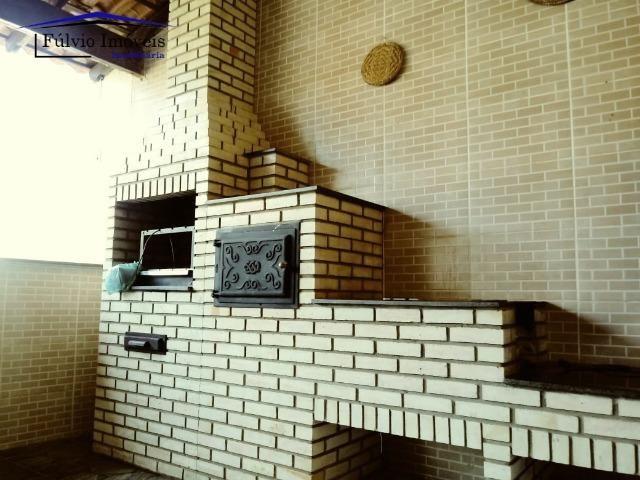 Maravilhosa em condomínio fechado, 1.200m² de terreno, área de lazer e salão de festas - Foto 14