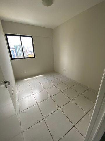 Alugo apartamento 3 quartos mais dependência - Foto 8
