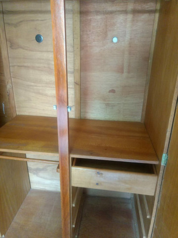 Guarda-roupa de madeira - Foto 2