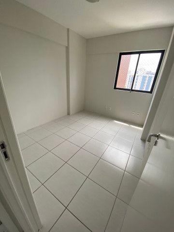 Alugo apartamento 3 quartos mais dependência - Foto 9