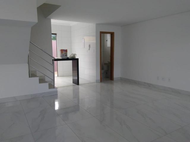 Casa geminada, 03 quartos, 01 vaga, 90 m² Bairro Planalto. - Foto 2