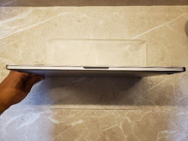 MacBook Pro - 15'' (2018) - 2,6 GHz Intel Core i7 6-Core - 32gb Memória - Foto 3