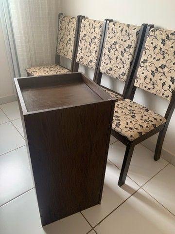Mesa com quatro cadeiras  - Foto 3