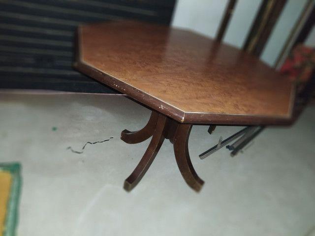 Mesa com tampo oitavado de madeira - Foto 4