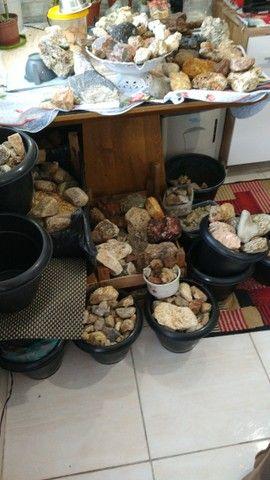 Mais de mil pedras de feldspato vendo barato