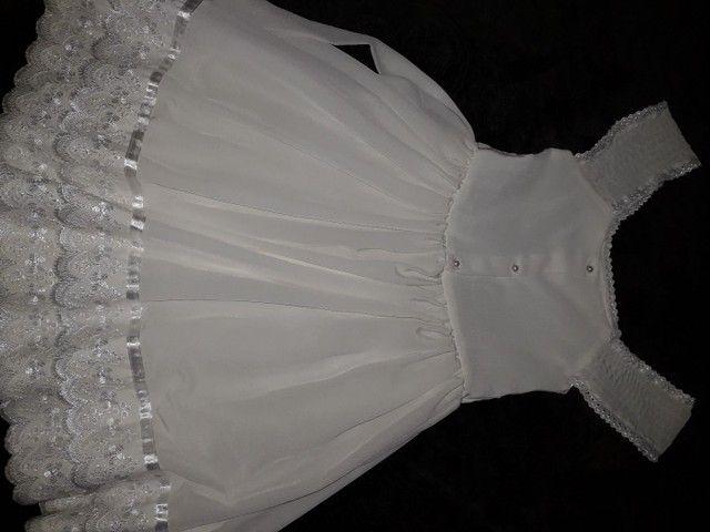Vestido branco infantil semi novo  - Foto 5
