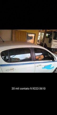 Vende-se Palio táxi atractive 1.0 - Foto 2