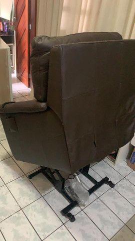 Poltrona do Papai elétrica em Couro Legítimo Minuano com apenas 1 mês de uso  - Foto 2