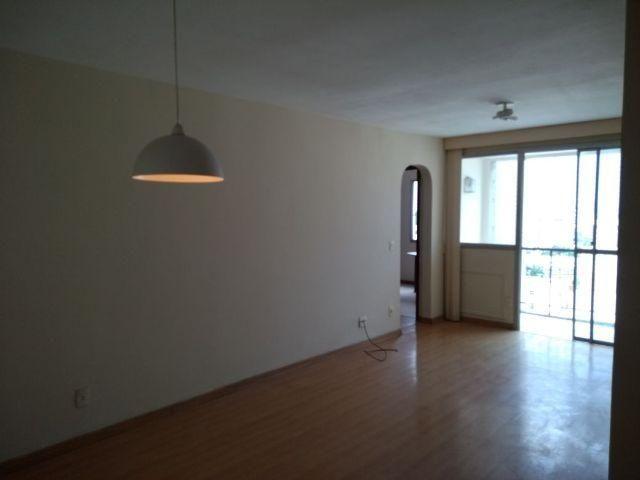 Apartamento na Tijuca/Maracanã, sala, 2 qtos (1 suíte), varanda dep completa, vaga escrit