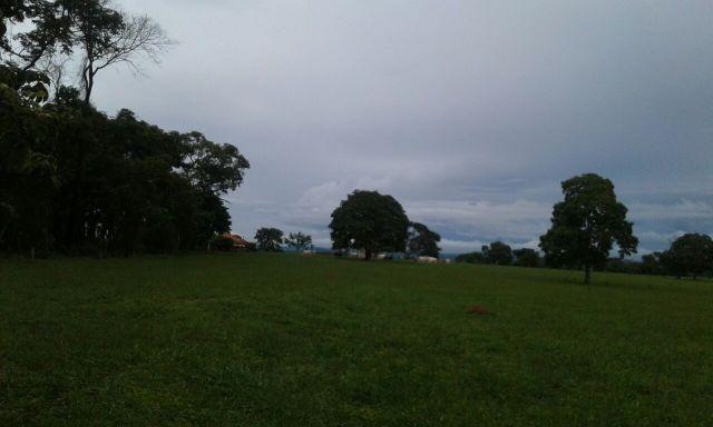 28 alqueres de fazenda no Triângulo Mineiro