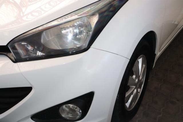 HYUNDAI HB20S 2015/2015 1.6 COMFORT PLUS 16V FLEX 4P AUTOMÁTICO - Foto 2