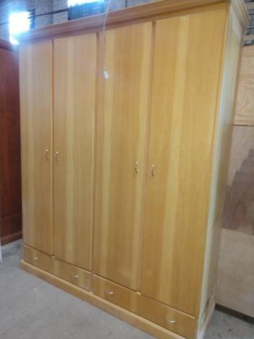 Roupeiro 4 portas madeira Marfim