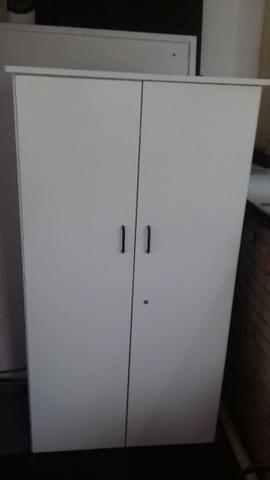Armário de escritório e mesas no mesmo padrão (leia descrição) - Foto 2