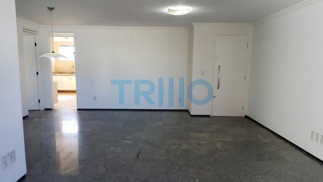 Edifício Florinda Barreira - Apartamento á Venda com 3 quartos, 3 vagas, 150.00m² (AP0086) - Foto 2