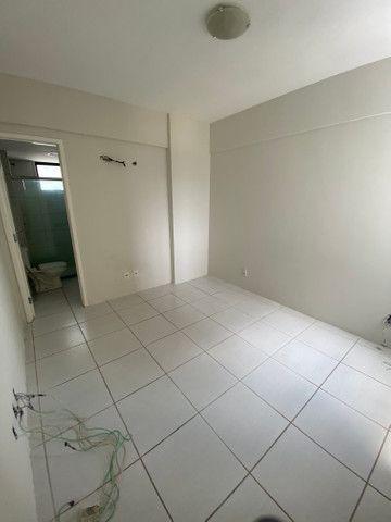 Alugo apartamento 3 quartos mais dependência - Foto 12