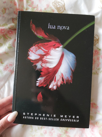 Box de livros da Saga Crepúsculo + Biografia Robert Pattinson - Foto 3