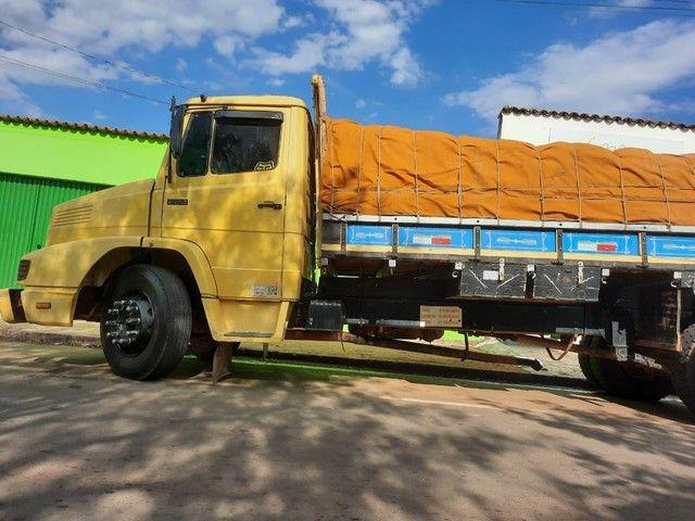 Vende-se Caminhão Truck 1618 Graneleiro