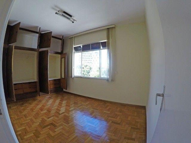 Apartamento grande, 3 quartos, localização estratégica e privilegiada, silencioso. - Foto 4