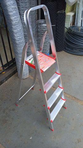 Escadas e banqueta de alumínio - Foto 5