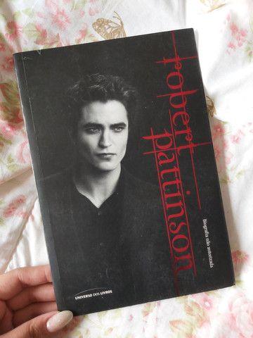 Box de livros da Saga Crepúsculo + Biografia Robert Pattinson - Foto 6
