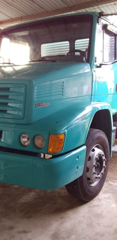 Caminhão MB 1218 - Baú - Ano 2000 - Foto 2