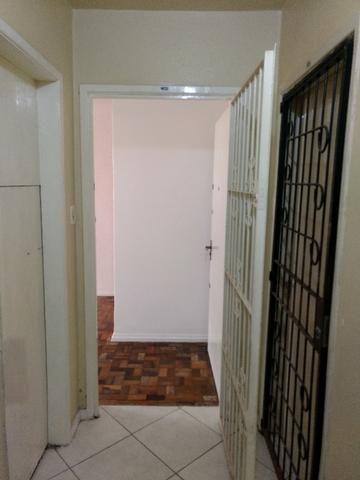 Ótimo apartamento no Jardim Leopoldina, 2 quartos, térreo, reformado e desocupado