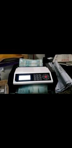 Vende-se contadoras de cédulas com detector de notas falsas