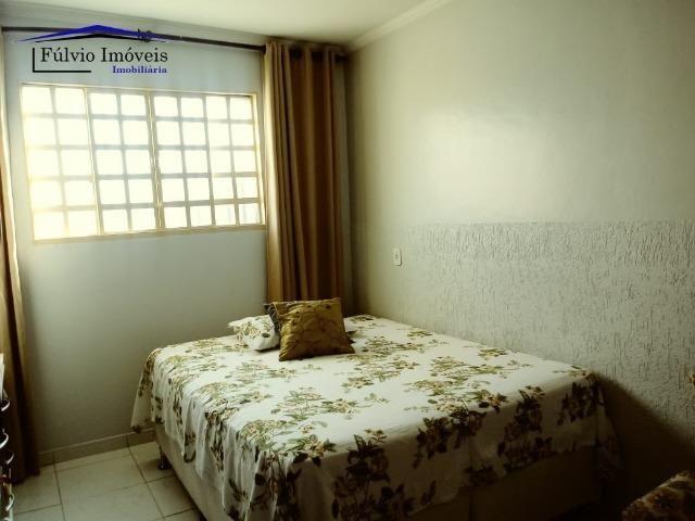 Maravilhosa em condomínio fechado, 1.200m² de terreno, área de lazer e salão de festas - Foto 7