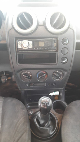 Ford Fiesta hacht - Foto 2