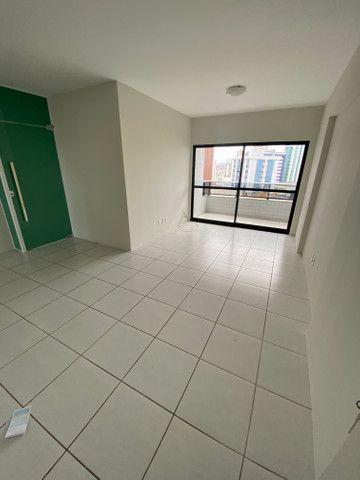 Alugo apartamento 3 quartos mais dependência - Foto 4
