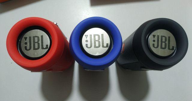 Vendo JBL Charge Mini Novas Ótima Qualidade de Som - Foto 2