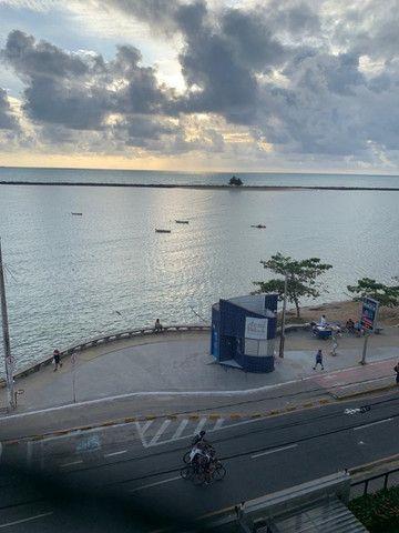 Excelente apt. a beira mar de Olinda, belíssima vista para o mar, ótima localização! - Foto 2